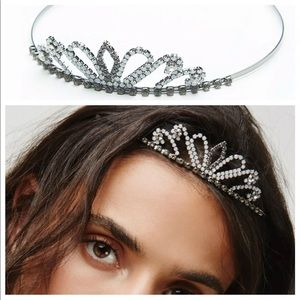 Free people pretty in pink tiara new 🌟🌟